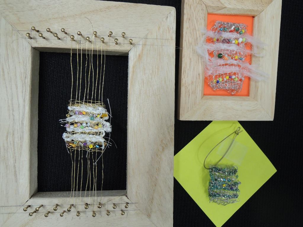 変わり織の壁飾り・小さなアクセサリー