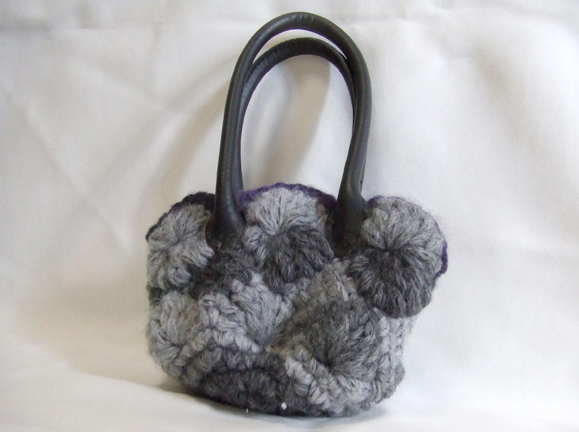 毛糸の手提げバッグ